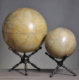 Cabinet de curiosités - Globes Terrestre