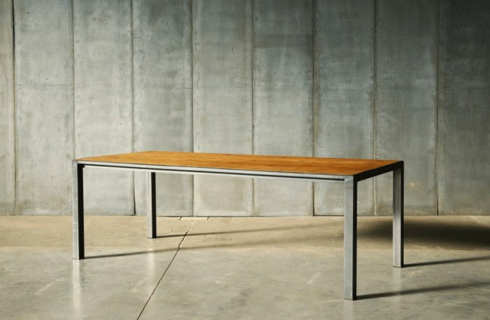 Tables Modernistes Contemporaines